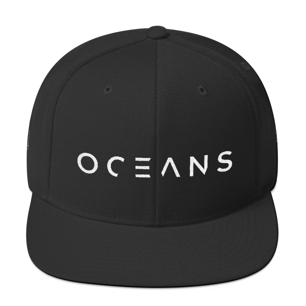 Low-profile-hat-template_oceans_Low-profile-hat-template_Neptun_mockup_Front_Black